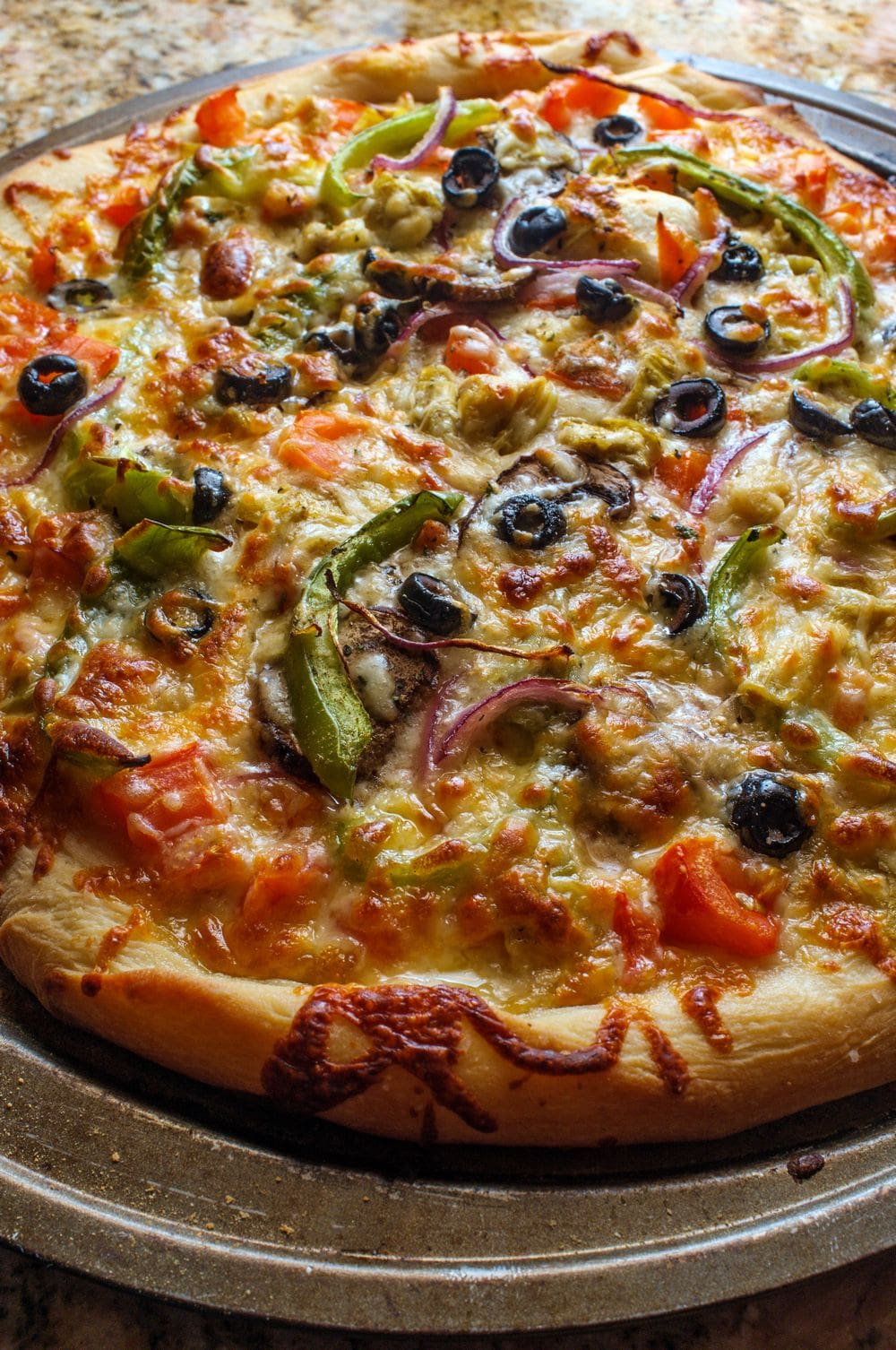 Veggie Pizza that looks tasty with lots of cheese